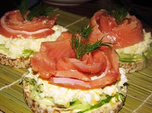 Рецепт: Диетические бутерброды с рыбкой