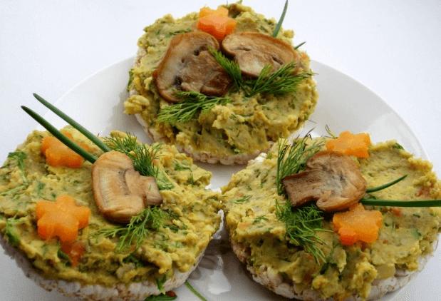 Рецепт: «Веселые» бутерброды из хлебцев
